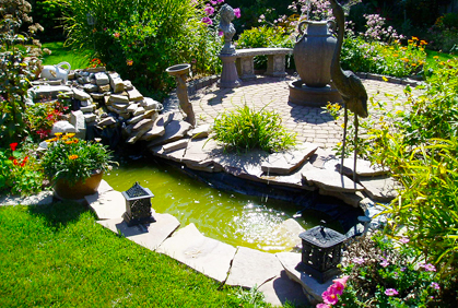 small yard landscaping ideas with garden pond