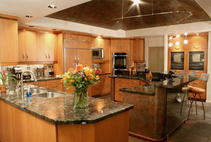 Kitchen photo gallery 2017 remodeling design pictures for Small kitchen design ideas photo gallery