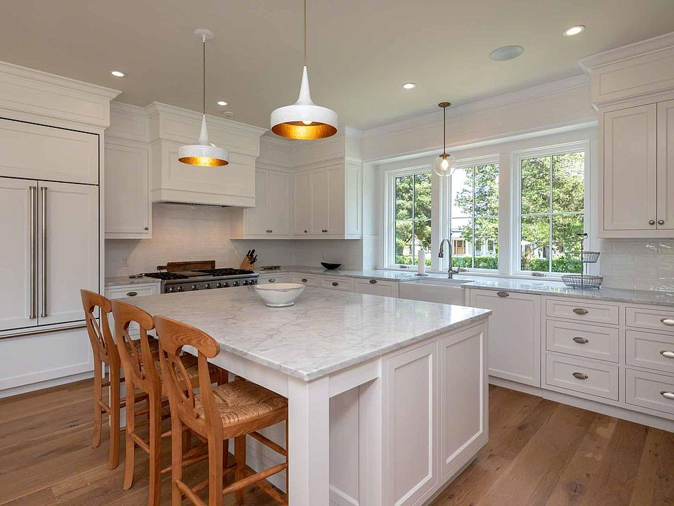 how to paint the kitchen cabinets white