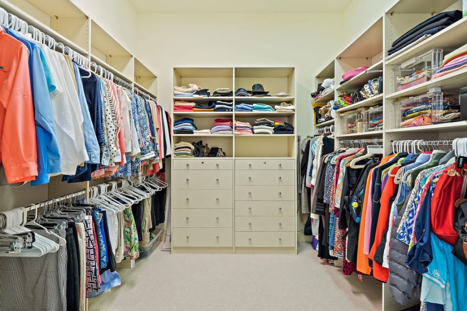 Luxury Bedroom Closets