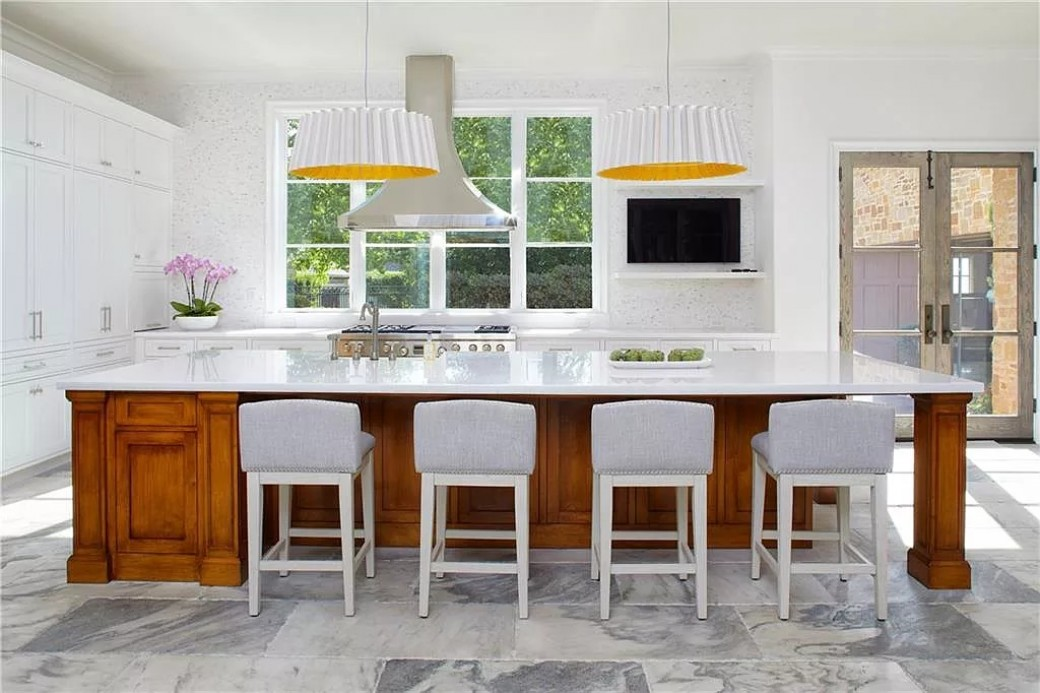 Kitchen Design for a Small Space | Top 50 Pictures