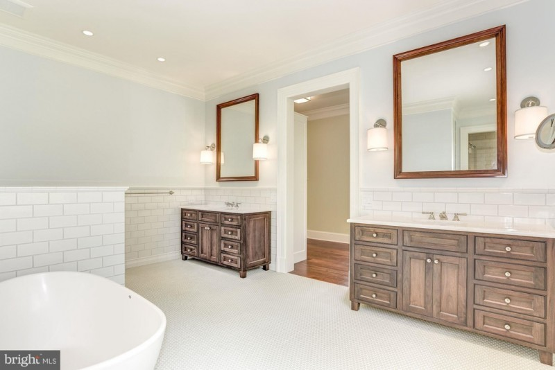 Master Bath Makeovers