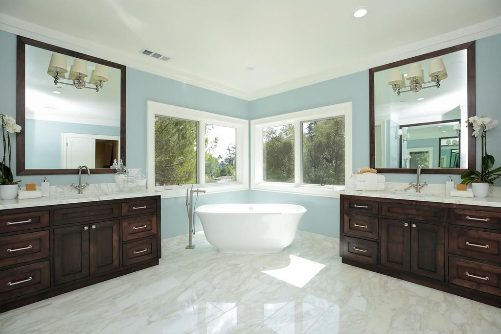 pictures of bathrooms top 2018 paint color ideas