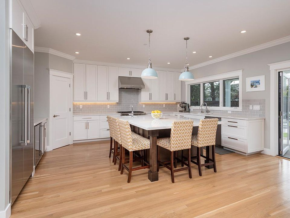 Pictures of Kitchens with White Cabinets