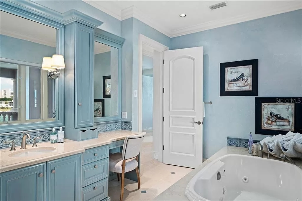 Pictures of the Best Bathroom Paint Colors In 2020