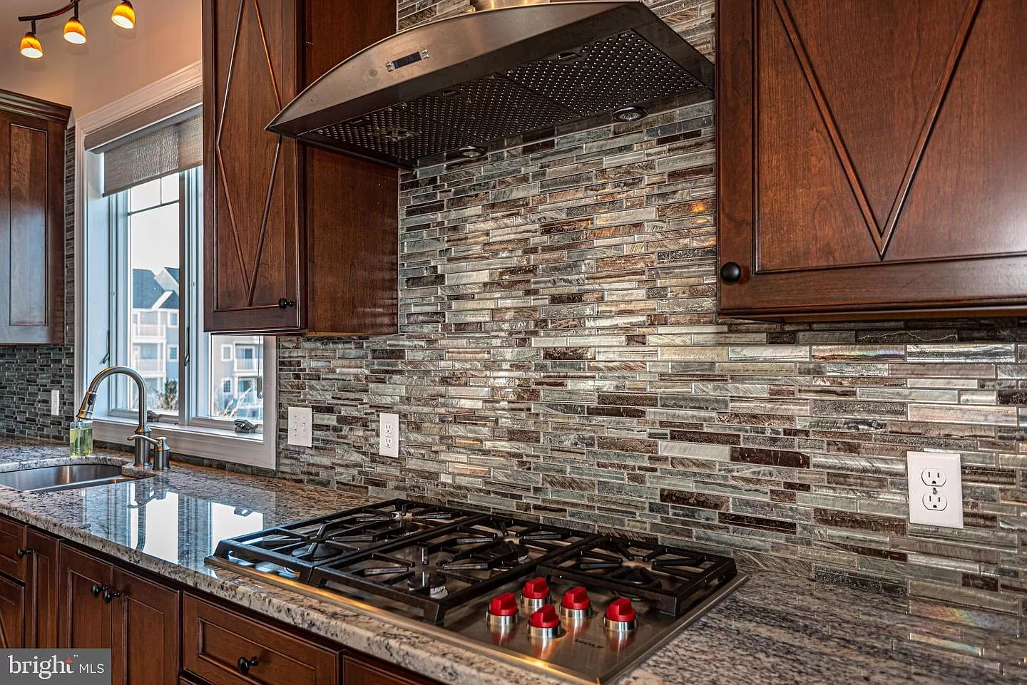 Backsplash Ideas for Granite Countertops | Photo Gallery on Backsplash Ideas For Granite Countertops  id=70221